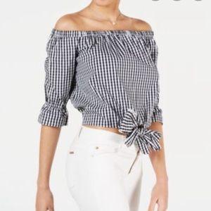 off-the-shoulder gingham cropped shirt